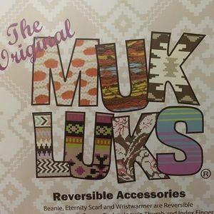 Purple Muk Luks reversible scarf, hat & gloves set